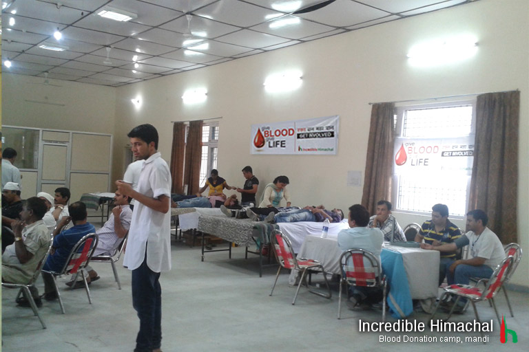 blood-donation-camp-himachal-mandi-may2013-2